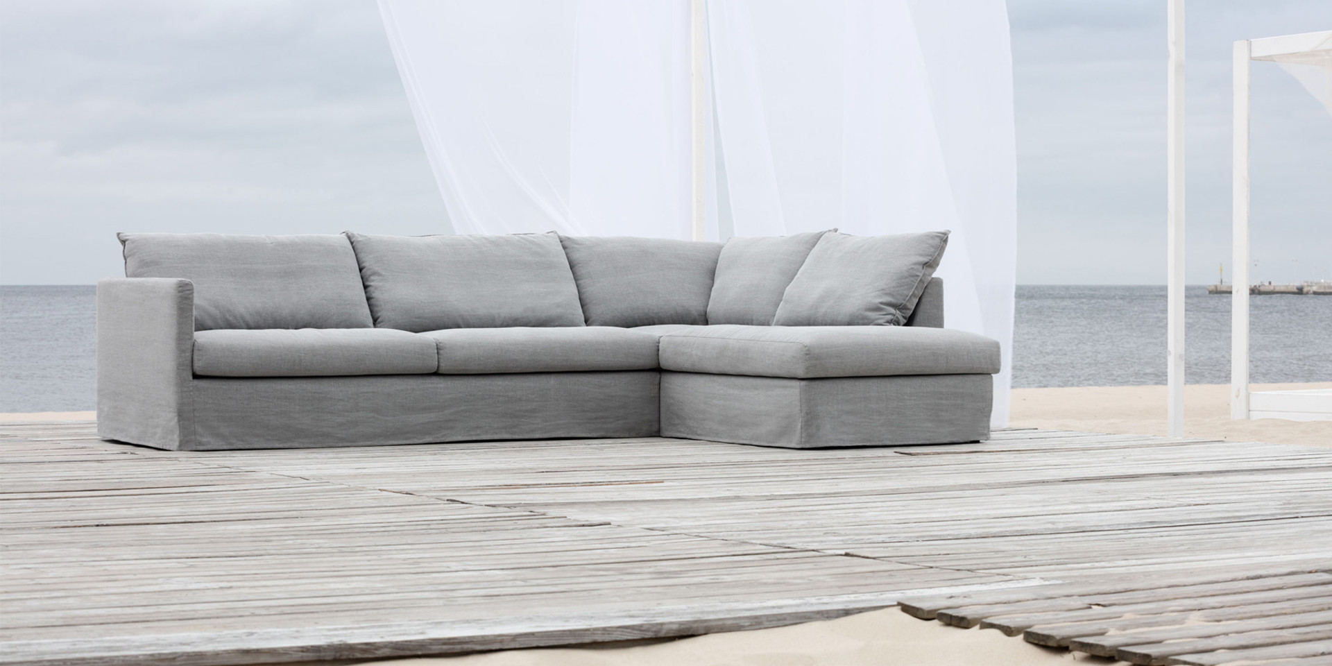 BIANCA_arrangement_set2_big_cushions_kiss4_light_grey_3