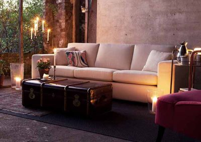 Canapé Sits Antares 3,5 places tissus Caleidi light beige et fauteuil Sits Lisa tissus Amstel pink