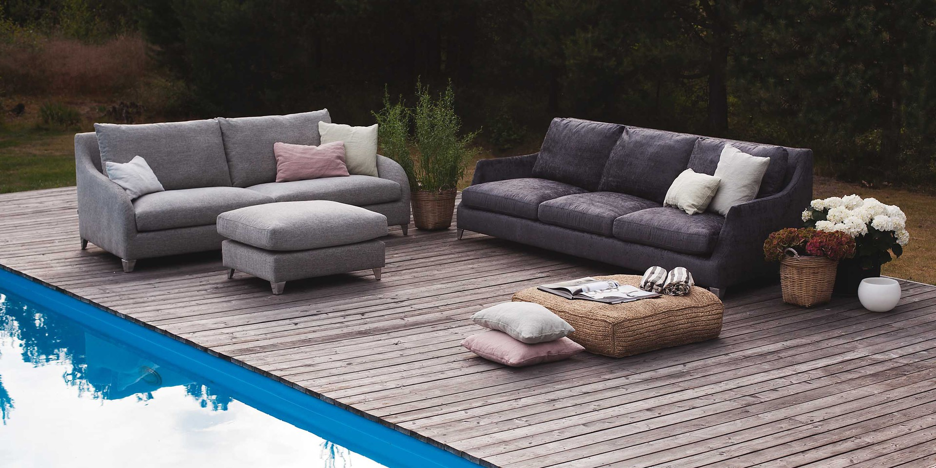sits-rose-ambiance-Arrangement_ROSE_4seater_messina3_dark_grey_LILY_3seater_footstool_divine50_light_grey_3_0