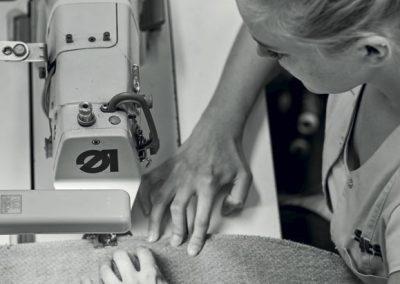 Couturière machine à coudre