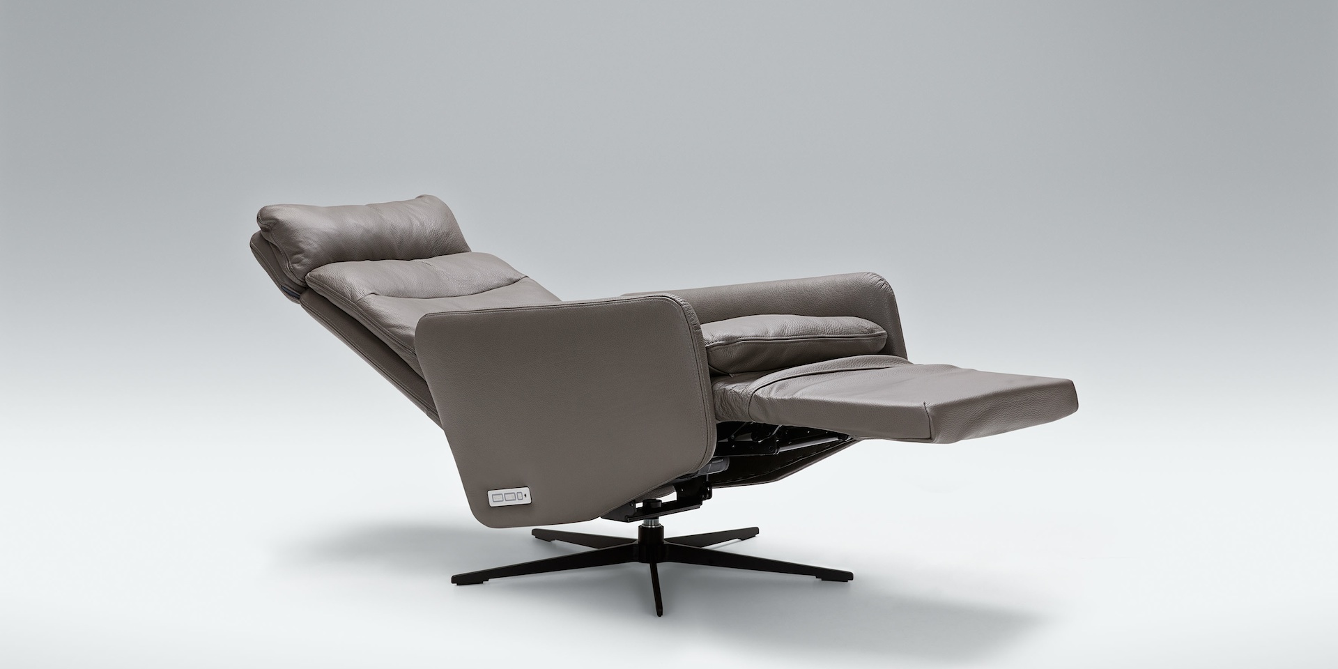 LIV_RELAX_shadow_armchair_touch5_dark_grey_3